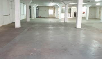 1000 m2 Warehouse Space available immediately in Clairwood 2.jpg