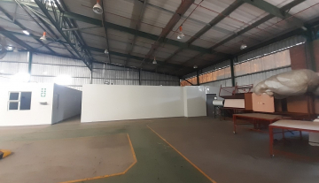 1643m2 warehouse in Prospecton with 800m2 Yard Space 6.jpg