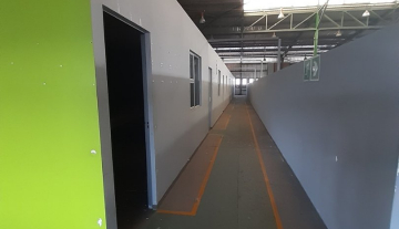 1643m2 warehouse in Prospecton with 800m2 Yard Space 8.jpg