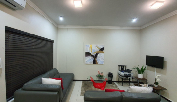 2 bedroom 1 bathroom apartment available for rent in the sought after Umhlanga Ridge 12.jpg