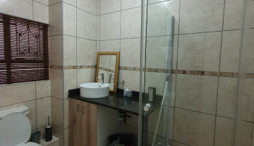 22 Siverlea 14 Modern Apartment For Sale Durban South Africa Property.jpg