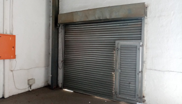 338m warehouse to let in Brairdene 4.jpg
