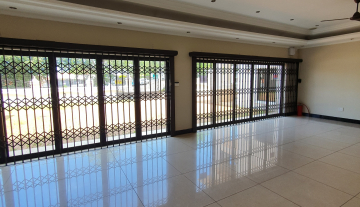 395 m2 of Prime Retail Space in Durban North 9.jpg