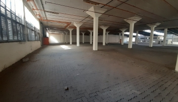 5200m Warehouse to let in Prospecton 3.jpg