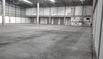 Excellent 3527 Sqm Warehouse To Let in Airport Industria 12.jpg