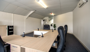 Excellent A Grade 369sqm Warehouse with Offices To Let in Paarden Eiland 12.jpg