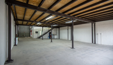 Excellent A Grade 369sqm Warehouse with Offices To Let in Paarden Eiland 6.jpg