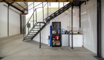Excellent A Grade 369sqm Warehouse with Offices To Let in Paarden Eiland 7.jpg