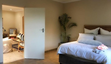 Executive Fully Serviced Apartment to rent in Durban North- Fairway Beachwood 6.jpg