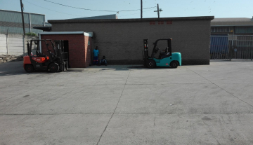 Prime Warehouse Space in Jacobs with Concrete Yard Space to let 13.jpg