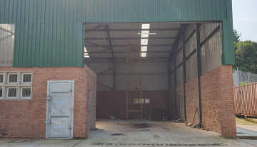 Recently finished warehouse with ample yard space and good height 16.jpg