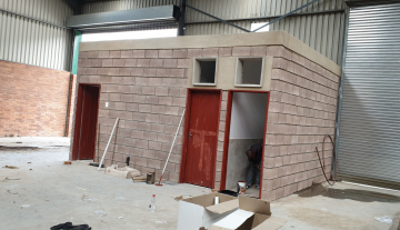 Recently finished warehouse with ample yard space and good height 4.jpg
