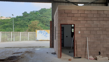 Recently finished warehouse with ample yard space and good height 7.jpg