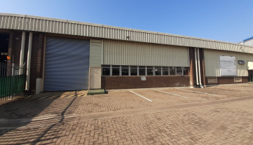 1643m2 warehouse in Prospecton with 800m2 Yard Space