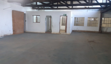 Commercial property close to the port