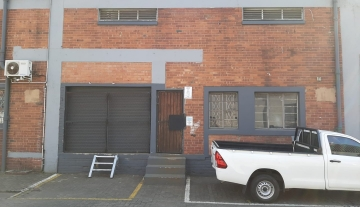 Warehouse to let in high demand industrial area