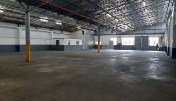 905m2 Warehouse to rent in Mobeni