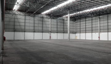 Excellent 3527 Sqm Warehouse To Let in Airport Industria