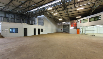 1822 m2 Prime Warehouse For Sale in Riverhorse Valley