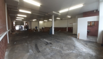 Spacious industrial factory to rent in New Germany