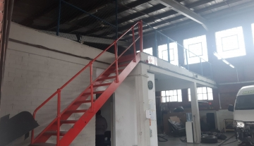 Warehouse to rent in Congella with 24 hour manned security